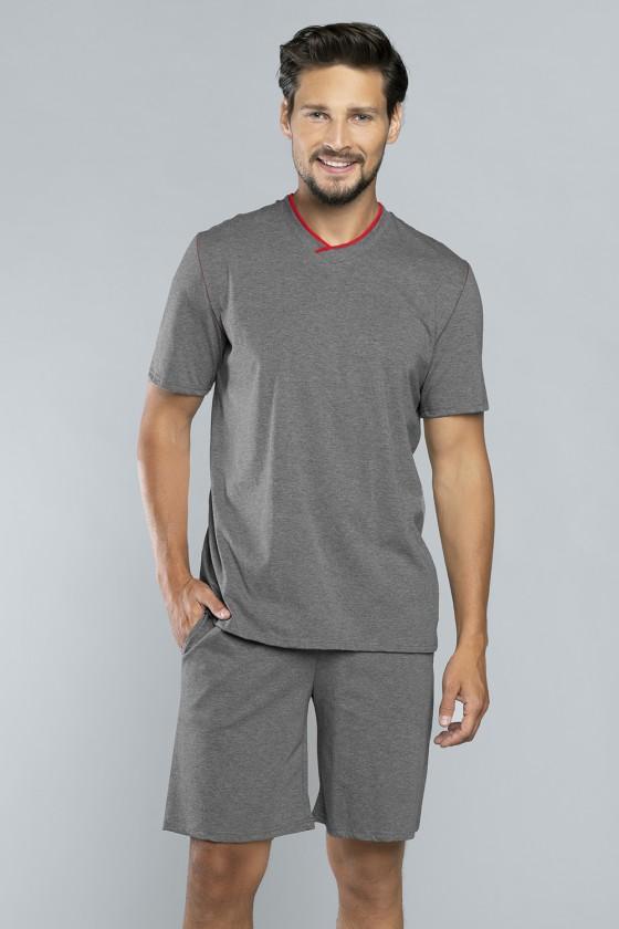 Pyjama model 147302 Italian...