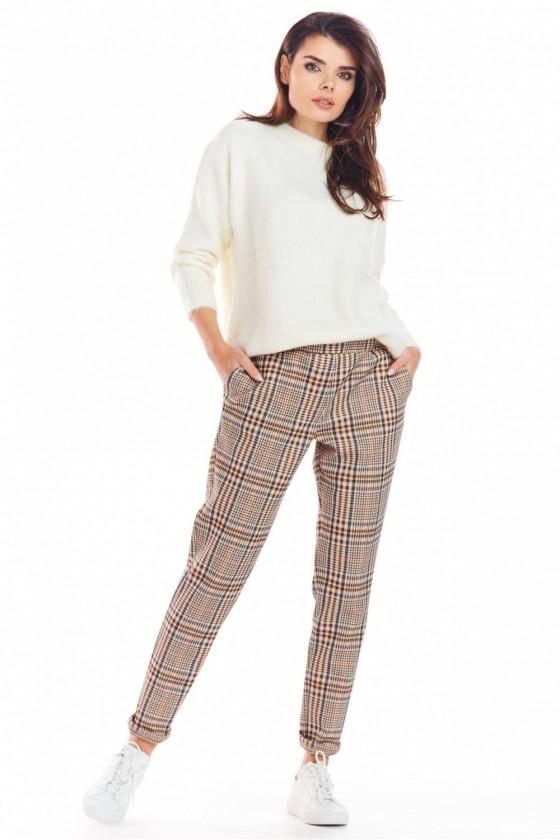 Women trousers model 148986 awama