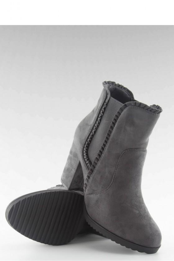Heel boots model 102194 Inello