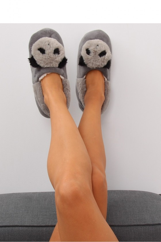 Slippers model 151026 Inello