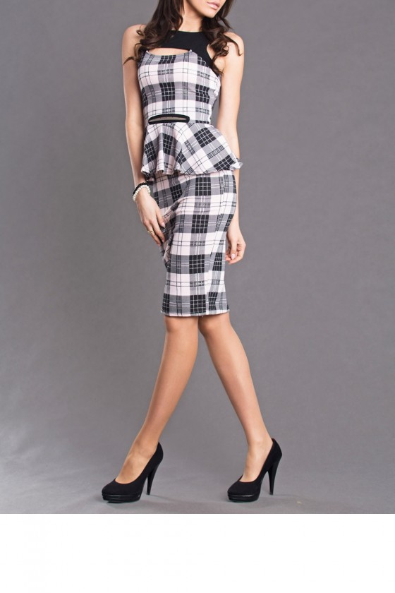 Classic skirt model 28997 YourNewStyle