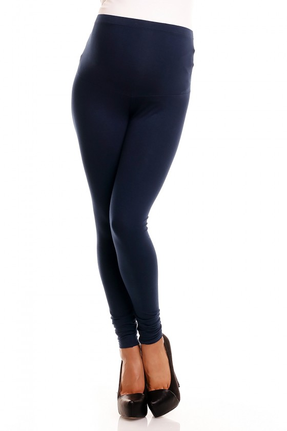 Maternity leggings model...