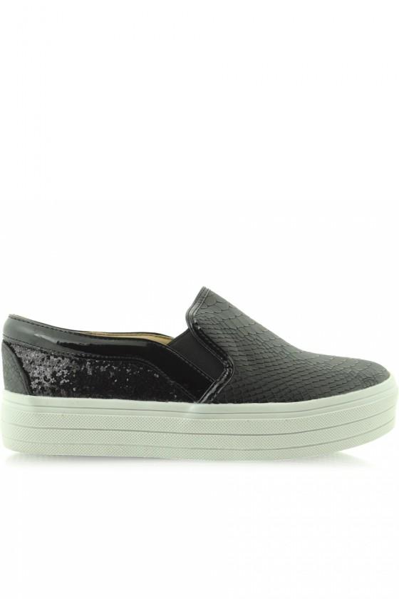 Slip-On Sneakers model...