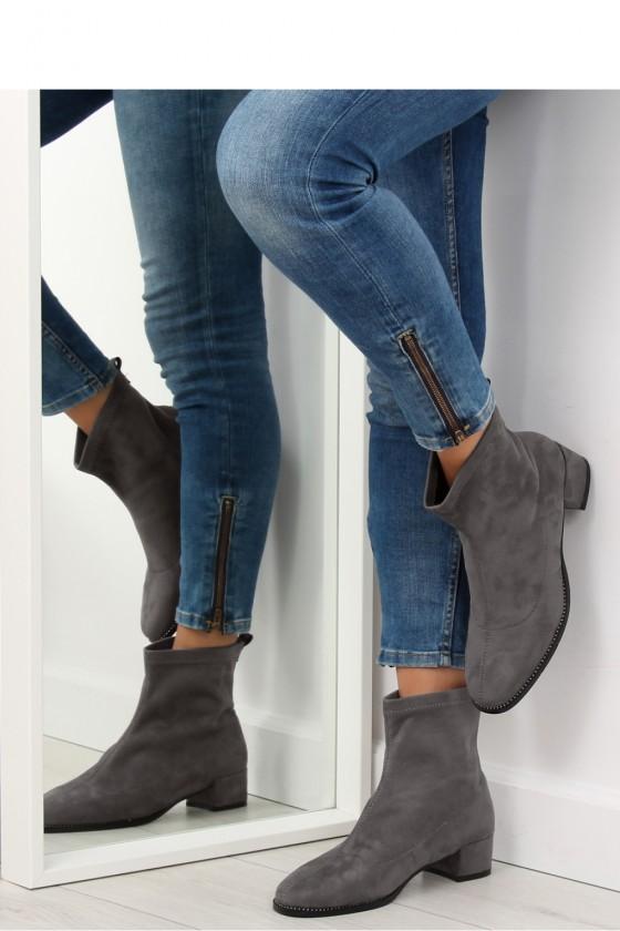 Heel boots model 122160 Inello