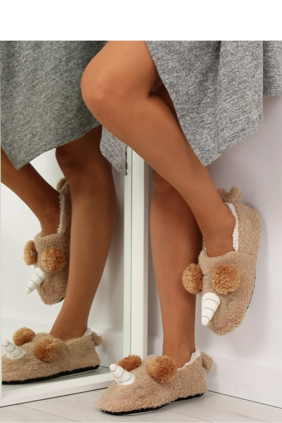 Slippers model 122845 Inello