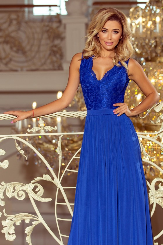Long dress model 123242 Numoco